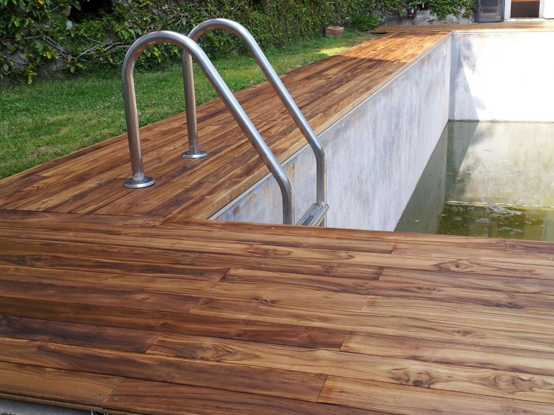Parquet per piscine soriano pavimenti in legno for Bordo piscina legno