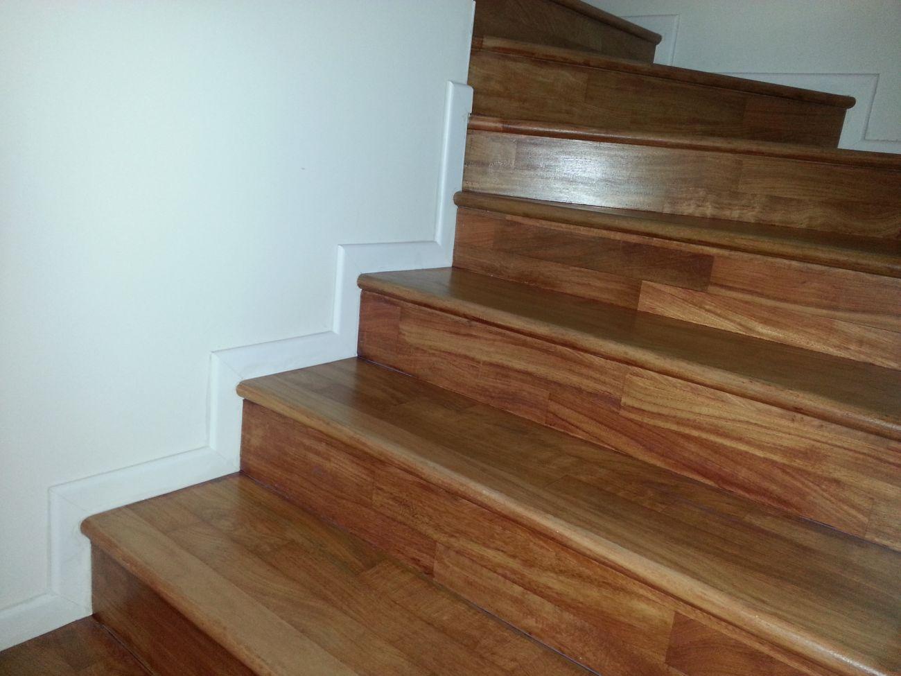 Rivestimento in legno per gradini soriano pavimenti in legno - Rivestimento in legno per scale ...