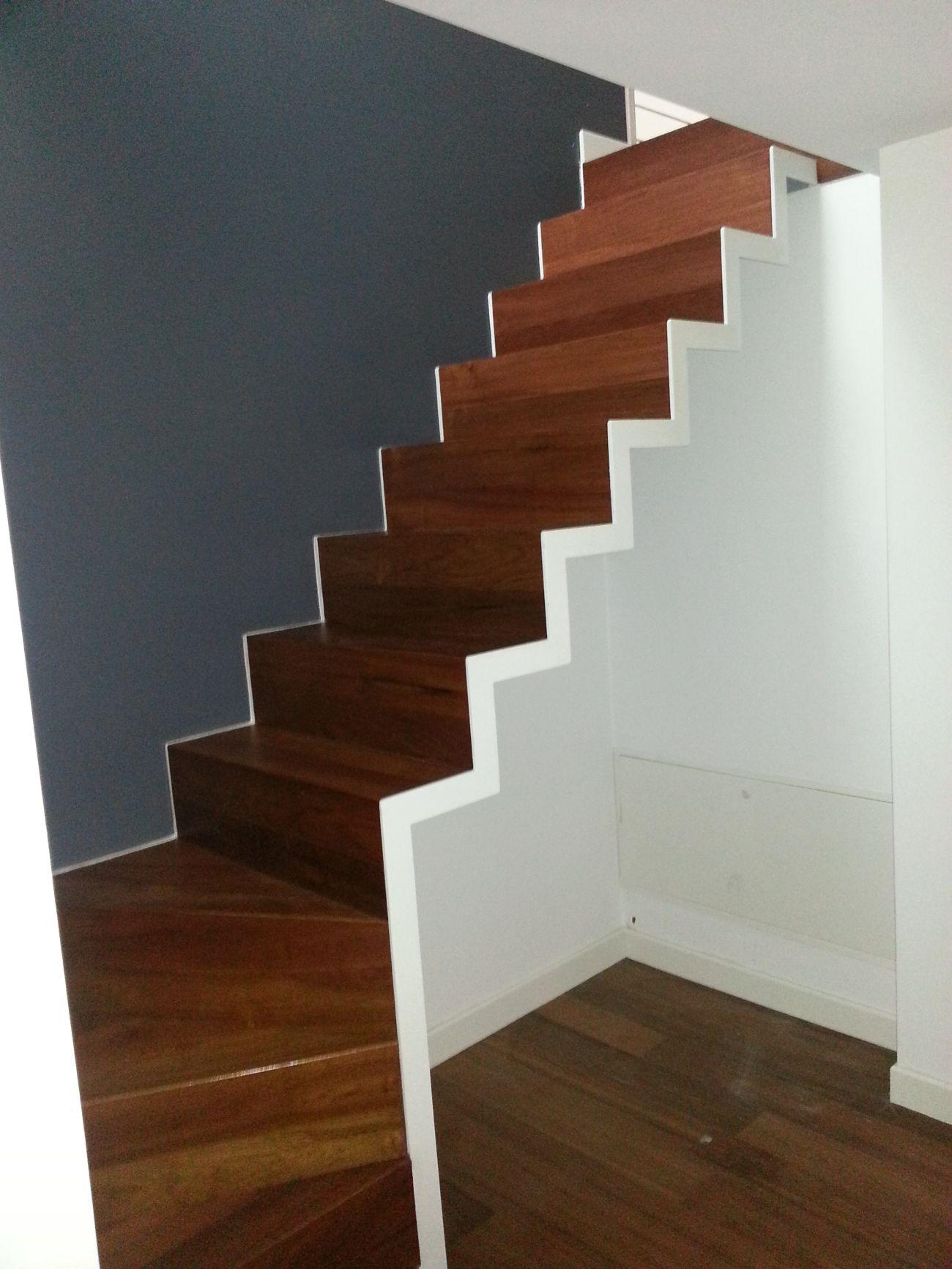 Rivestimento in legno per gradini soriano pavimenti in legno - Scale in legno per interni ...